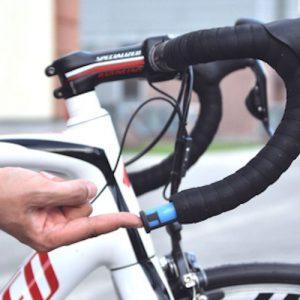 fiets gps tracker in stuur